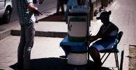 Продажа прохладительных напитков в Бишкеке. Архивное фото