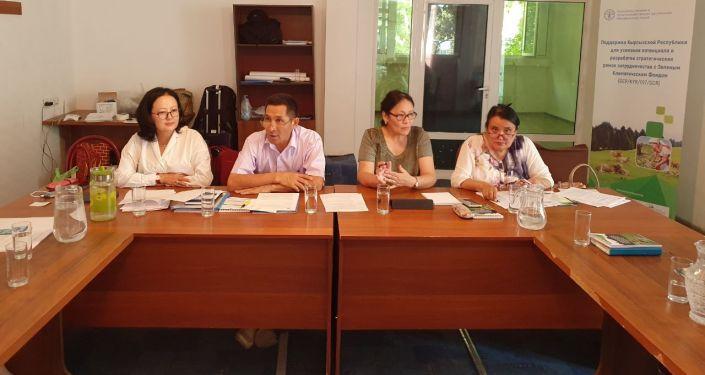 В Джалал-Абадской, Иссык-Кульской и Ошской областях с госорганами и частным сектором проводят консультации по подготовке к изменению климата
