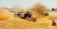 В России провели внезапную проверку подразделений различных видов Сухопутных войск — ракетчиков, артиллеристов, танкистов и мотострелков, а также военных химиков и расчетов армейской беспилотной авиации.