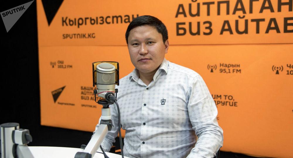 Акын, Жазуучулар союзунун мүчөсү Бердибек Жамгырчиев