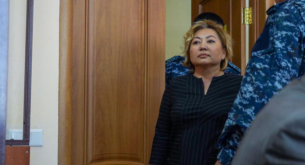 Казакстандын билим берүү министринин орун басары Элмира Суханбердиева