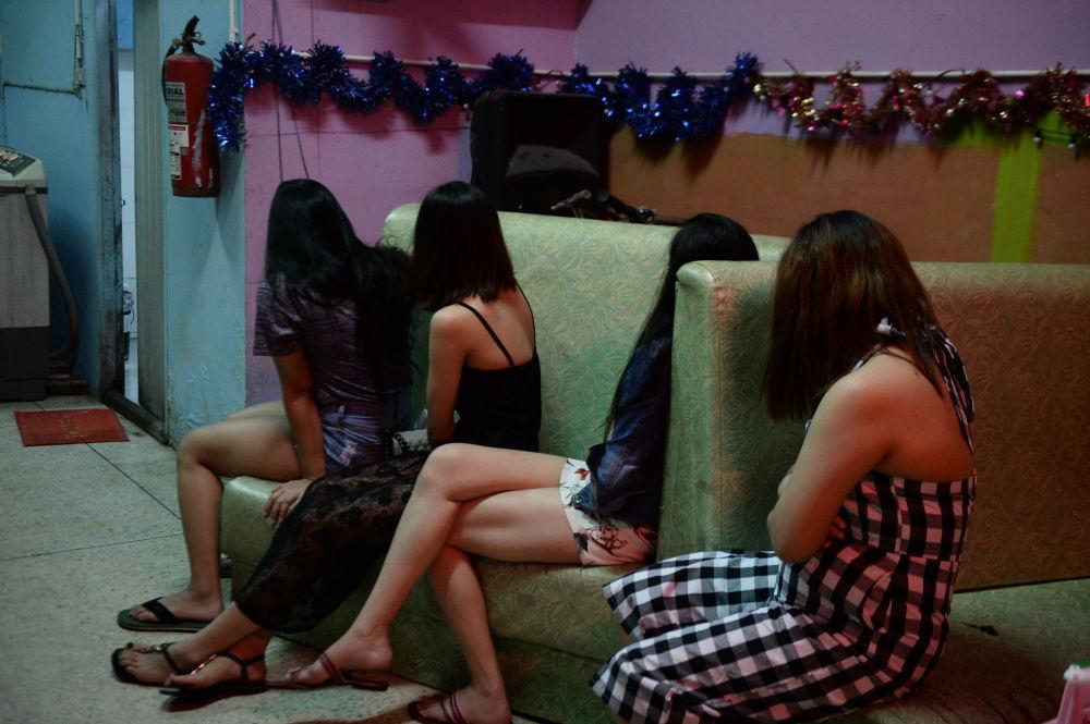 Рабство проституток i проститутки вятские полянах