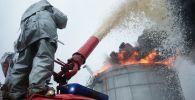 Пожарно-тактические учения по тушению нефтепродуктов. Архивное фото