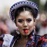 Изюминкой праздника является театрализованное шествие под зажигательную музыку