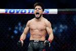 Жеңил салмак категориясы боюнча учурдагы UFC чемпиону Генри Сехудо. Архив