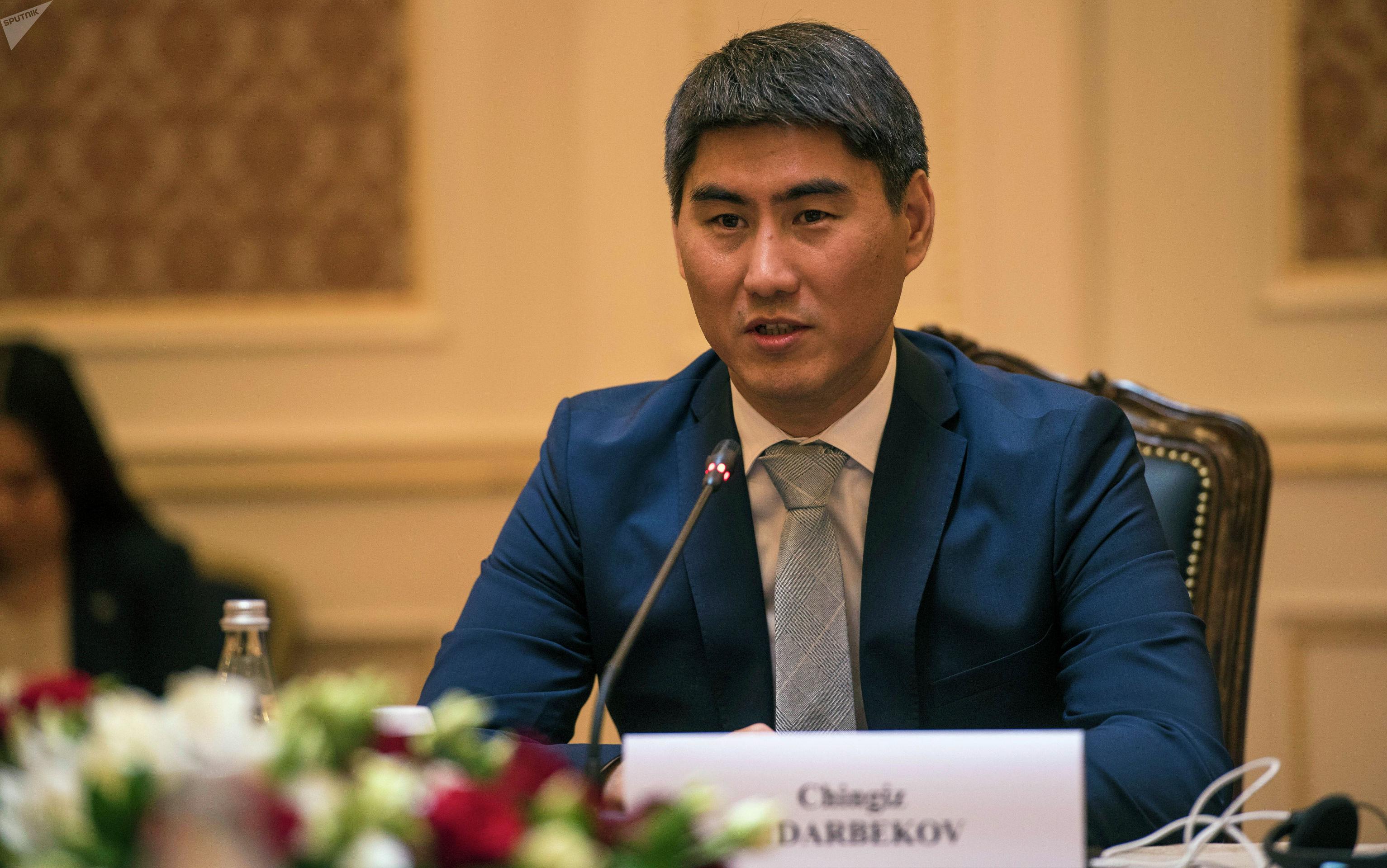 Министр иностранных дел КР Чингиз Айдарбеков во время встречи с главой МИД КНР Ван И в Бишкеке