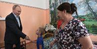 Россиянын президенти Владимир Путин суу ташкынынан жабыркаган Иркутск облусун кыдырды