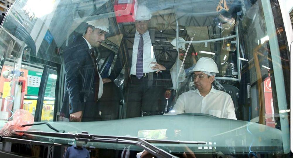Градоначальник Азиз Суракматов провел в Стамбуле переговоры с главой крупнейшего турецкого холдинга Anadolu Group Тунджаем Одильханом по вопросу приобретения автобусов.