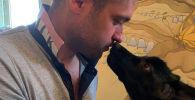 Житель Екатеринбурга Кирилл Потапов — организатор фонда защиты диких животных. Он выкормил четырех волков, которых выкупил у зоопарка.