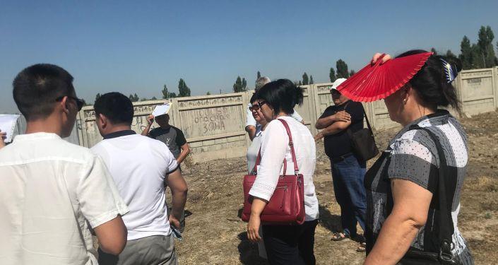 Мэрия Бишкека проверила состояние захоронения сибирской язвы в жилом массиве Ала-Тоо