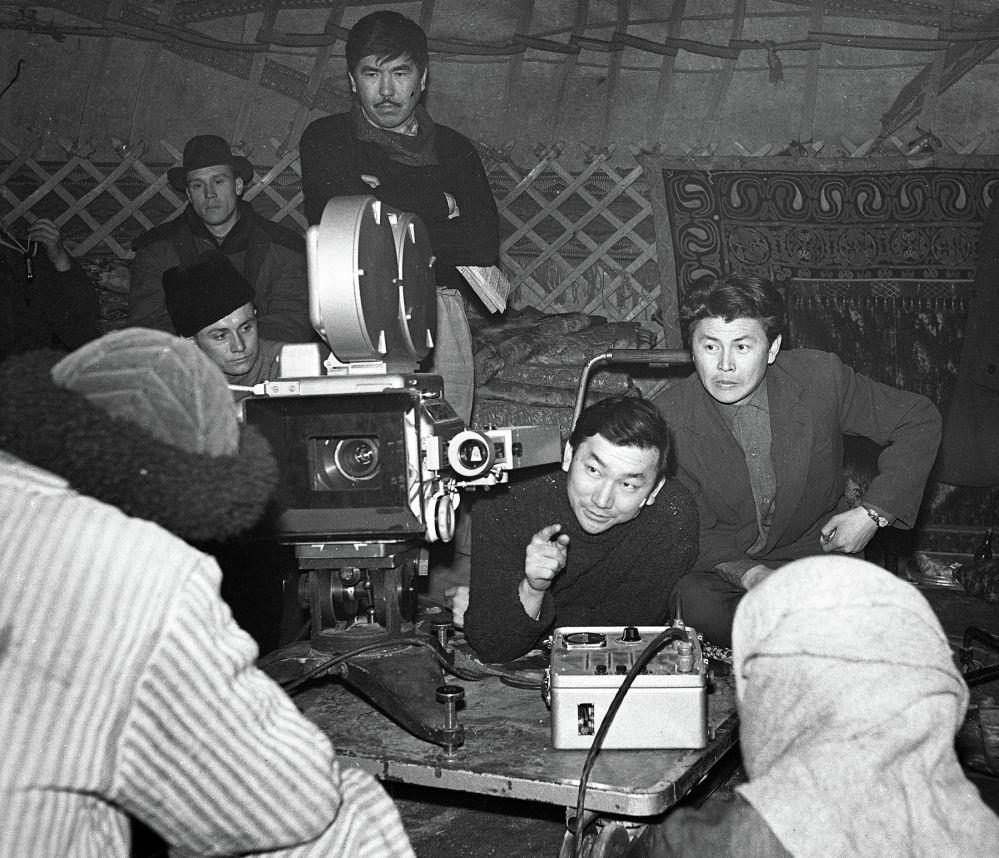 Мелис Убукеевдин дипломдук иши — Тайгак кечүү киносун тартып жаткан мезгилинен бир ирмем