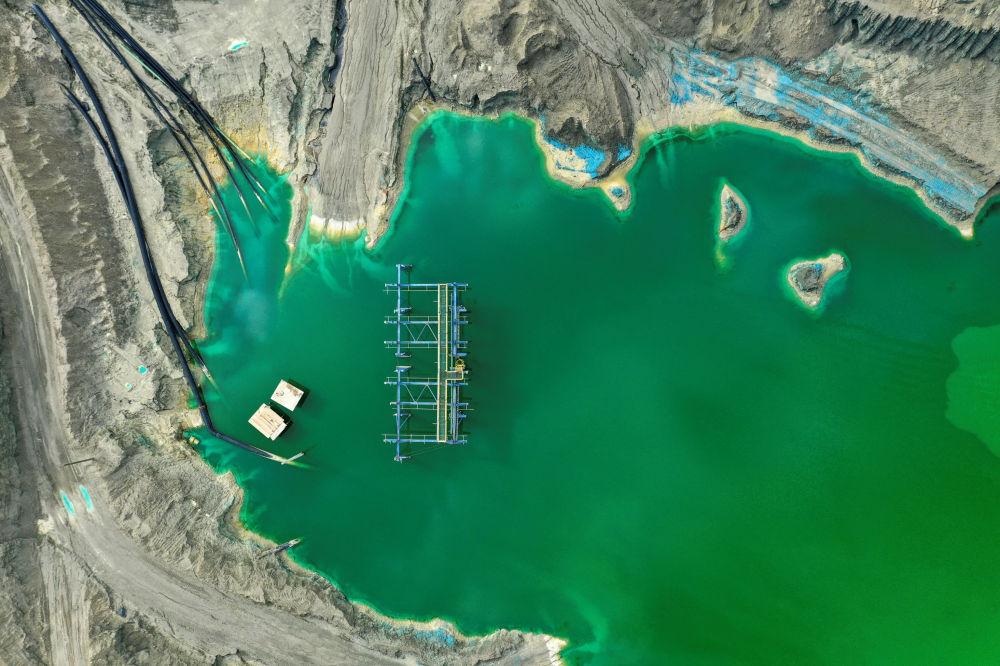 Одна из хвостохранилищ горнодобывающей компании Minera Valle Central в Чили для хранения отходов после добычи меди. Чили занимает первое место в мире по добыче и экспорту данного металла.