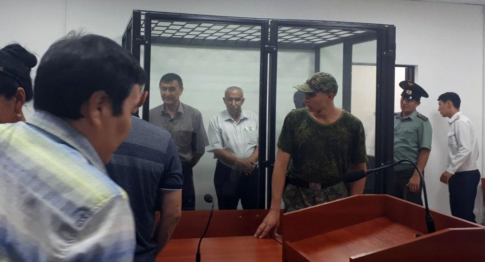 Транспорт жана жолдор министринин мурдагы орун басары Азимкан Жусубалиевдин соту.  Архивдик сүрөт