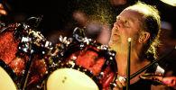 Один из основателей и барабанщик группы Metallica Ларс Ульрих во время концерта в спорткомплексе Олимпийский в Москве.