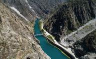 Вид на реку Нарын после истока с Токтогульского водохранилища. Архивное фото