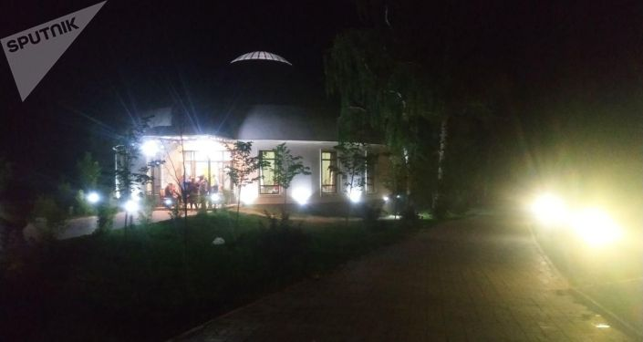 Последствия попытки штурма дома Алмазбека Атамбаева в селе Кой-Таш