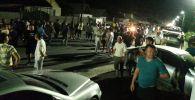 Сторонники бывшего президента Алмазбека Атамбаев у въезда в село Кой-Таш