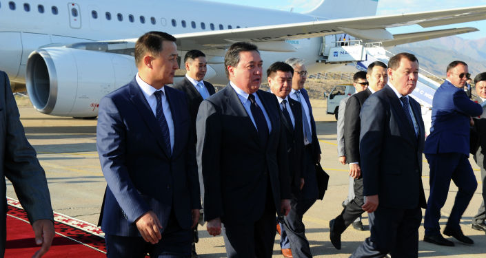 Премьер-министр Республики Казахстан Аскар Мамин с рабочим визитом прибыл в Кыргызскую Республику для участия в юбилейном заседании Евразийского межправительственного совета