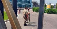 По данным некоторых пользователей соцсетей, сегодня в Бишкек прилетит Омурбек Бабанов. В апреле этого года политик уже обещал вернуться на родину, но в день ожидаемого прилета заявил, что из-за возможных провокаций отказался от этой идеи.