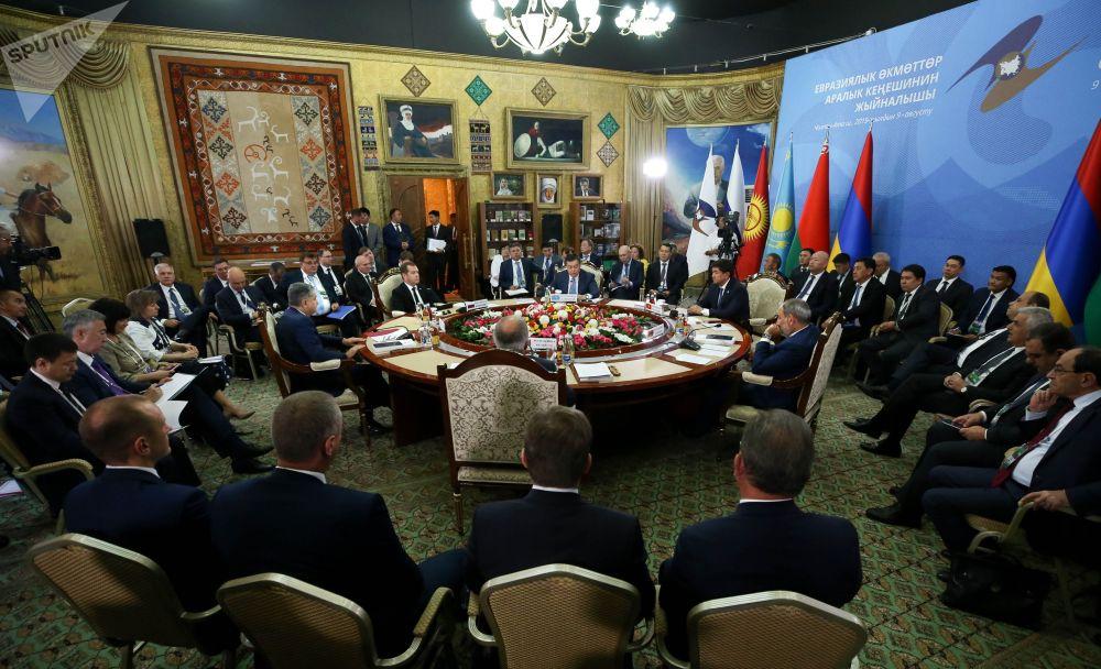 Премьеры обсудили развитие экономической интеграции, совершенствование ее нормативно-правовой базы, сотрудничество стран ЕАЭС в сферах промышленности, торговли, экономики и финансовой политики