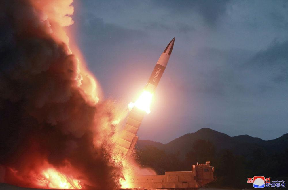 Пуск ракет в КНДР утром 6 июля. Согласно утверждению Южной Кореи, были проведены испытания баллистических ракет малой дальности, в КНДР в свою очередь заявили, что были запущены управляемые тактические ракеты.