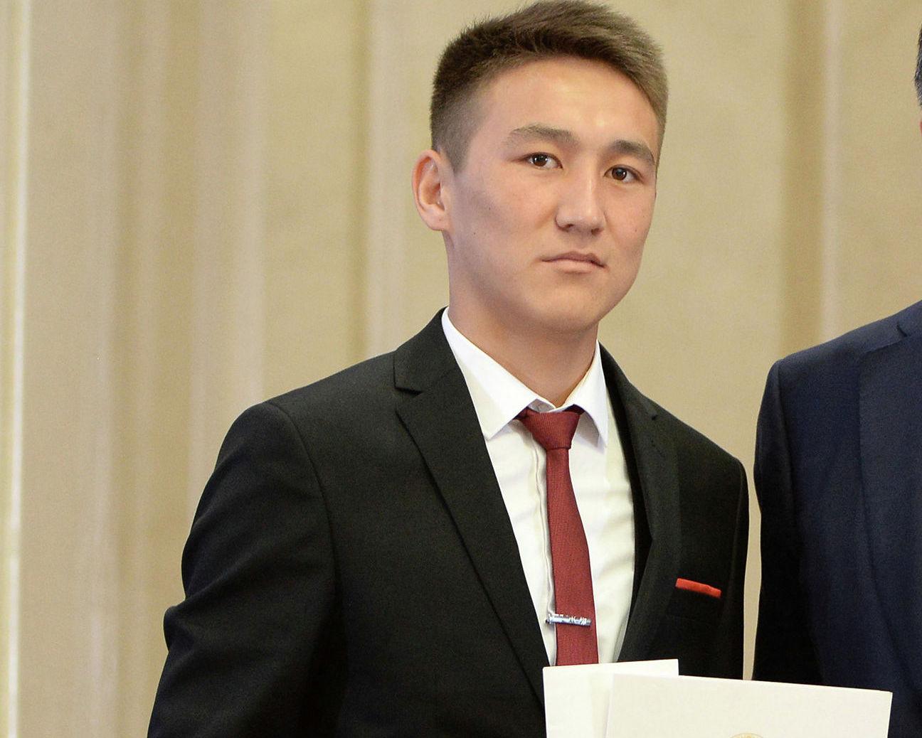 Выпускник кыргызско-турецкого мужского лицея имени Курманбека баатыра Элдияр Чормонов