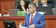 Заместитель министра внутренних дел Курсан Асанов на заседании ЖК