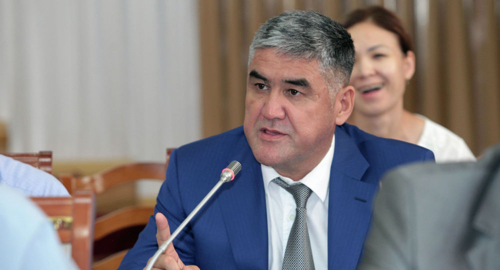 И. о. министра внутренних дел Курсан Асанов. Архивное фото