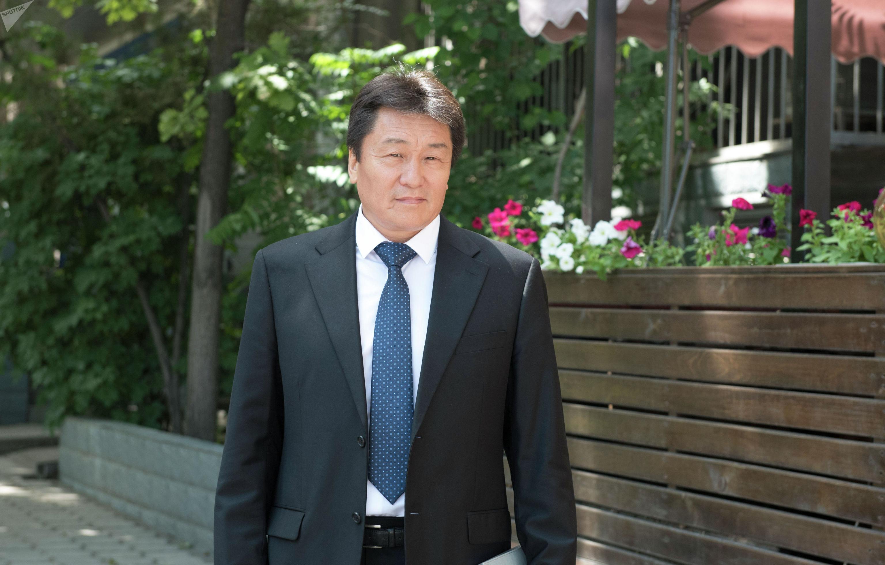 Президент Ассоциации фармацевтической промышленности Рахим Бабаев
