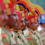 Вооруженные силы Индии принимают участие в параде во время празднования Дня независимости страны