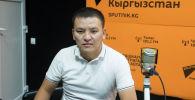 Айтыш коомдук фондусунун төрагасы, төкмө акын Асылбек Маратов