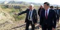 Сооронбай Жээнбеков бүгүн, 22-августта, Нарын облусуна болгон иш сапарынын алкагында Ак-Талаа районундагы ирригациялык долбоорлор менен таанышты