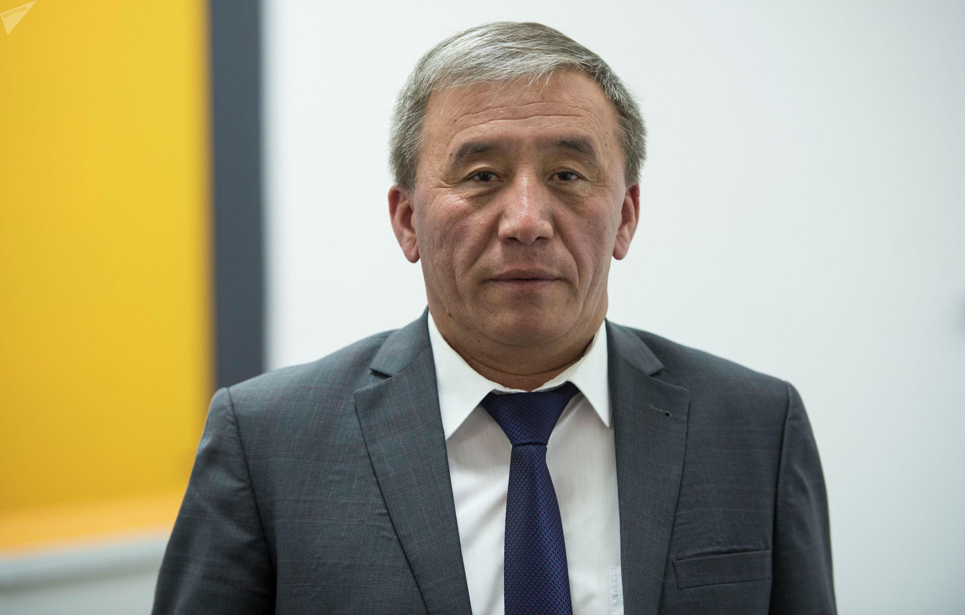 Министр сельского хозяйства, пищевой промышленности и мелиорации Эркинбек Чодуев