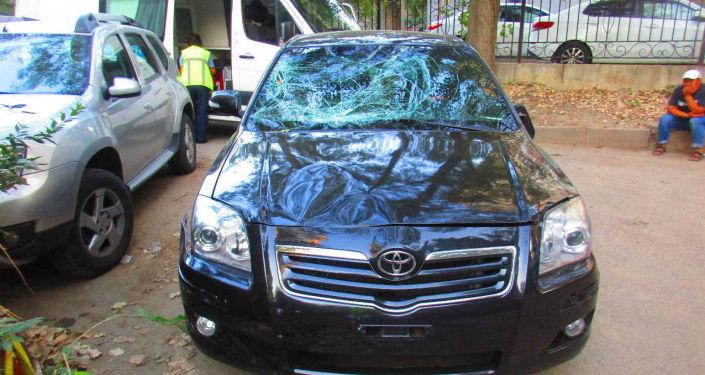 Toyota Camry после наезда на трёх пешеходов