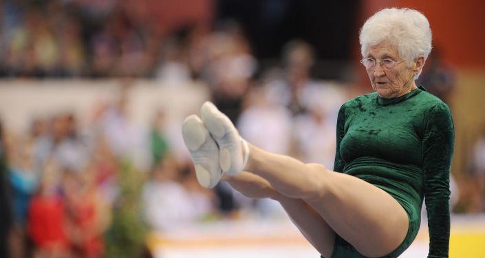 Немис гимнасты Йоханна Кваас 1925-жылы төрөлгөн. 2012-жылы эң улуу гимнаст катары мелдешке катышкан.