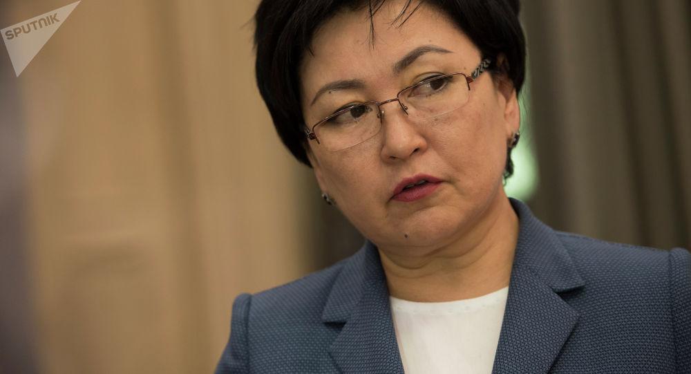 Билим берүү министри Гүлмира Кудайбердиева. Архивдик сүрөт