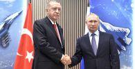 27 августа 2019. Президент РФ Владимир Путин и президент Турции Реджеп Тайип Эрдоган (слева) во время переговоров на полях Международного авиакосмического салона МАКС-2019.
