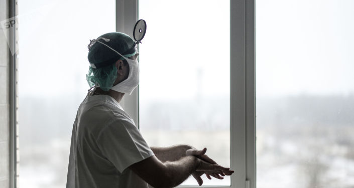 Хирург. Архивдик сүрөт
