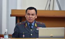 Министр внутренних дел КР Кашкар Джунушалиев на заседании правительства