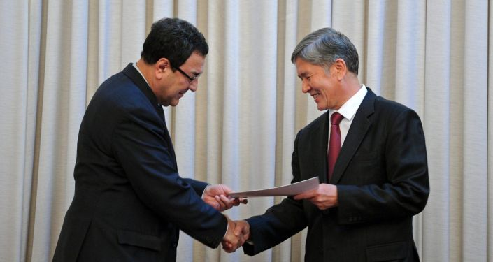 Бывший президент Алмазбек Атамбаев и бывшим вице-премьер Шамиль Атаханов