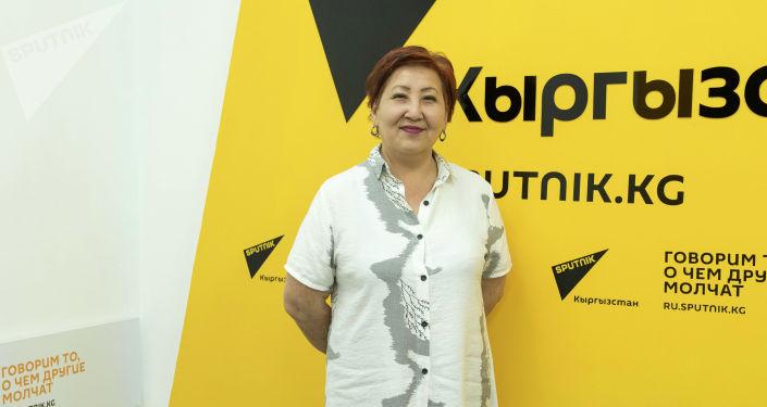 Первая женщина-проктолог в Кыргызстане Гульмира Сарман во время беседы