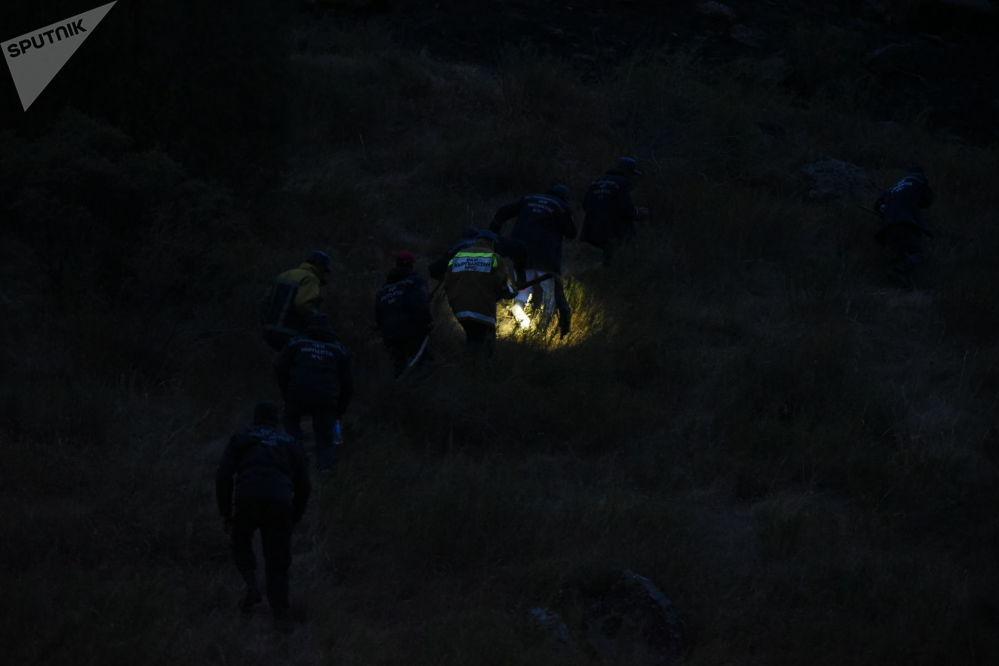 Ала-Арча улуттук паркында тоо этегиндеги кургак чөп күйүп кетти. Аны өчүрүүгө ӨКМдин 332 кызматкери тартылды.