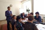 Каракол шаарындагы Антон Чехов атындагы №6 мектепке 27 жаштагы Жоомарт Карыбаев директор болду.