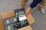 Таможенники задержали незаконно ввезенный табак для кальяна стоимостью около 20 миллионов сомов примерно в 19:00 на складе на рынке Дордой. 5 сентября 2019 года