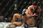В ночь на 8 сентября российский боец UFC Хабиб Нурмагомедов одержал победу над американцем Дастином Порье и защитил чемпионский титул UFC в легком весе (до 70 килограммов). Поединок закончился в третьем раунде после того, как Хабиб применил удушающий прием.