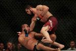 Россиянин Ислам Махачев по единогласному решению судей одолел бразильского бойца Дэйви Рамоса на турнире UFC 242 в Абу-Даби.
