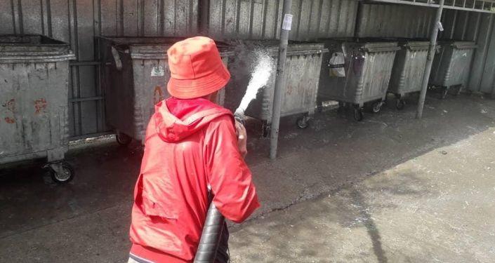 Сотрудники Комтранском обновили контейнеры на ул. им. Айтиева, в микрорайонах Улан и Кок Жар, ЖК Ала-Тоо.