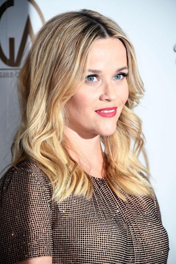 Актриса и продюсер Риз Уизерспун замыкает тройку лидеров: 43-летней американке удалось заработать 35 миллионов долларов