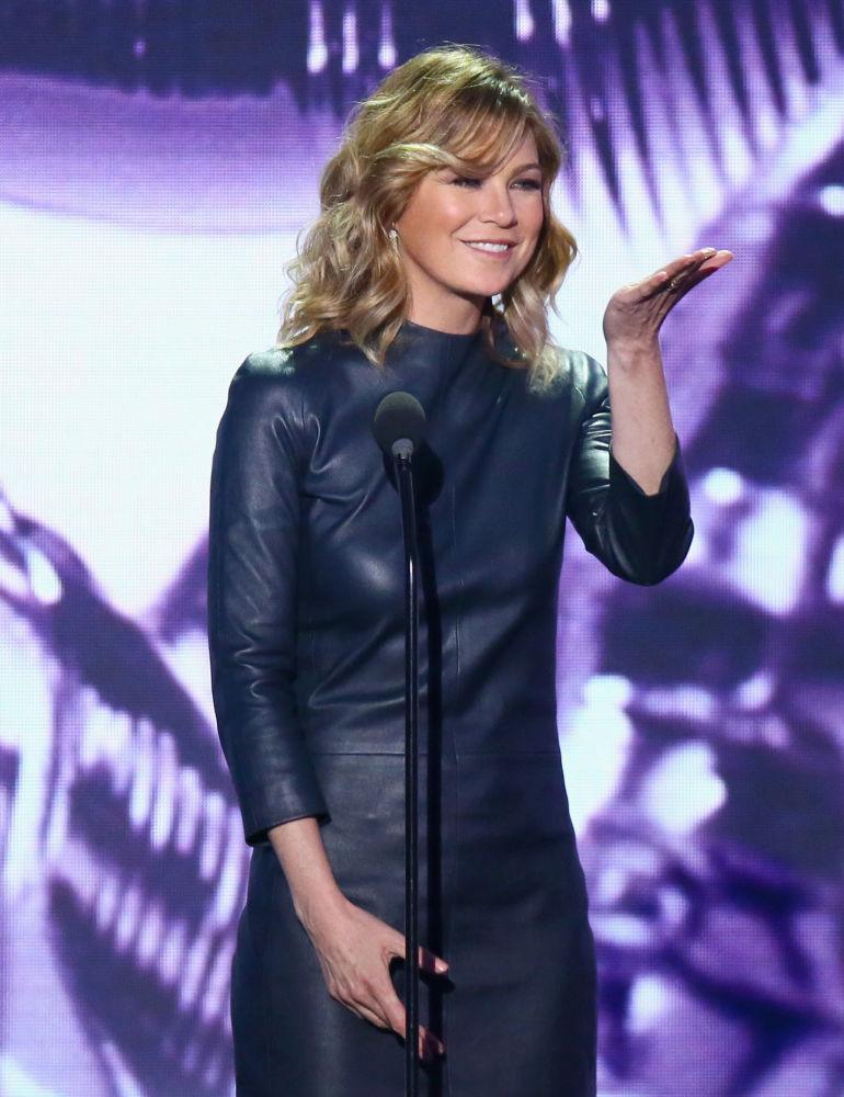 Десятку самых высокооплачиваемых актрис замыкает 49-летняя Элен Помпео. Звезда сериала Анатомия страсти заработала за год 22 миллиона долларов.