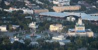 Вид со смотровой площадки Останкинской телебашни на территорию ВДНХ в Москве. Архивное фото